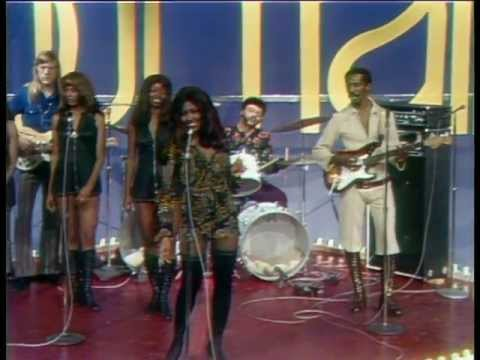 Ike  & Tina Turner  - Proud Mary  (1972)