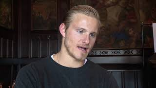 Interview with lovely alexander ludwig from vikings at mfc iii in germany. he joined this third medieval fantasy convention schloss burg solingen, germ...