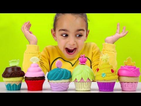 Fiesta de Cupcakes Princesas Disney - Juego de Mesa con Andrea! Divertilandia.