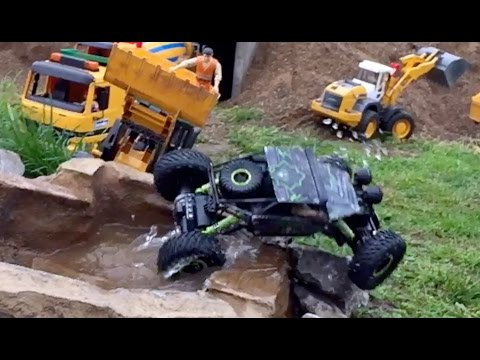Outdoor Test Drive Rock Crawler RC Car P1801-03 1:18 Scale Model