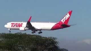 Boeing B763 e Airbus A321 da Tam pousando no Aeroporto Internacional de Belo Horizonte