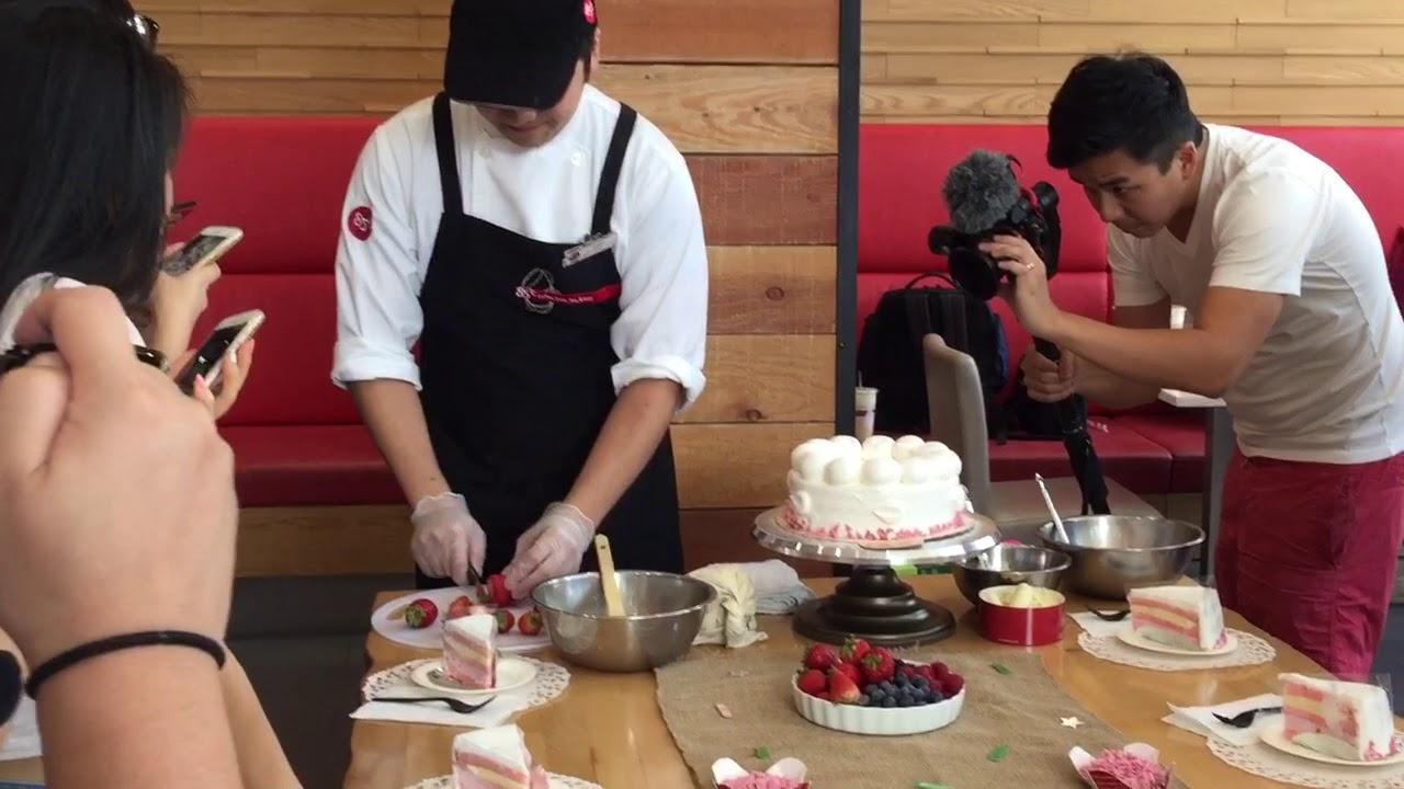 85c Bakery Cafe Pasadena Cake Decorating Youtube