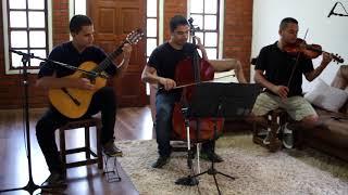 Família Rodrigues - Photograph (Versão Trio)
