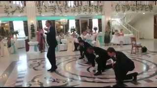 Сюрприз для невесты на свадьбе. Жених с друзьями станцевал под Егора Крида