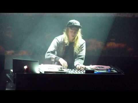 Cashmere Cat *With Me* live @ Yoyo Club in Paris_2013