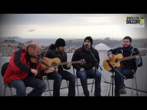 34 Ayar - Kolay Sanmıştım Akustik Video (Balcony TV)
