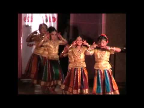 Srinidhi's first stage performance, dancing for song Salangai Katti