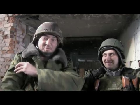 LifeNews выяснил, как живут ополченцы в донецком аэропорту. Ополчение Новороссии.