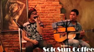 solosun cofffe Guitar 1 band không biết tên