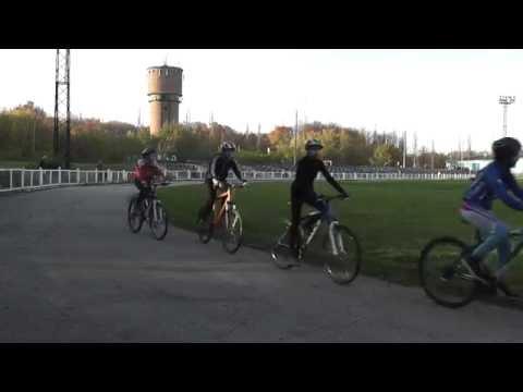 Самара. Мехзавод. Тренировка юных велосипедистов
