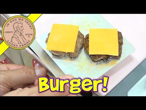 Miniature Cheeseburger & Fresh Potato Chips – American Hamburger!