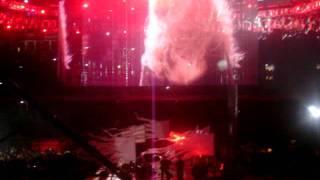 "Christina Aguilera ""DIRTY DIANA"" Michael Jackson Tribute."