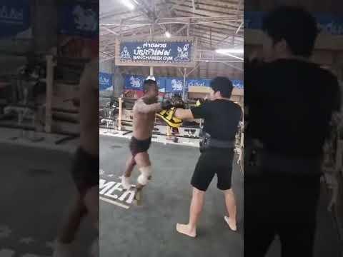 Buakaw training in Banchamek gym 2020   Buakaw Muay Thai 2020   kickboxing 2020