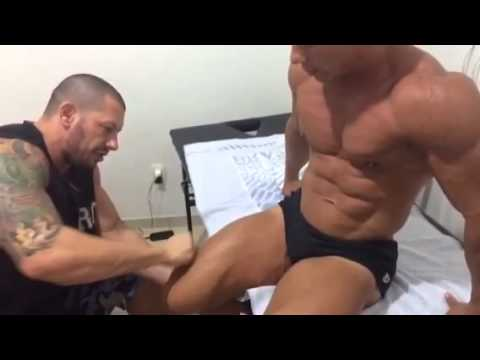 muscle men massage Gay