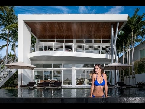 Luxurious Home in Miami's Venetian Islands  - 610 W Dilido D