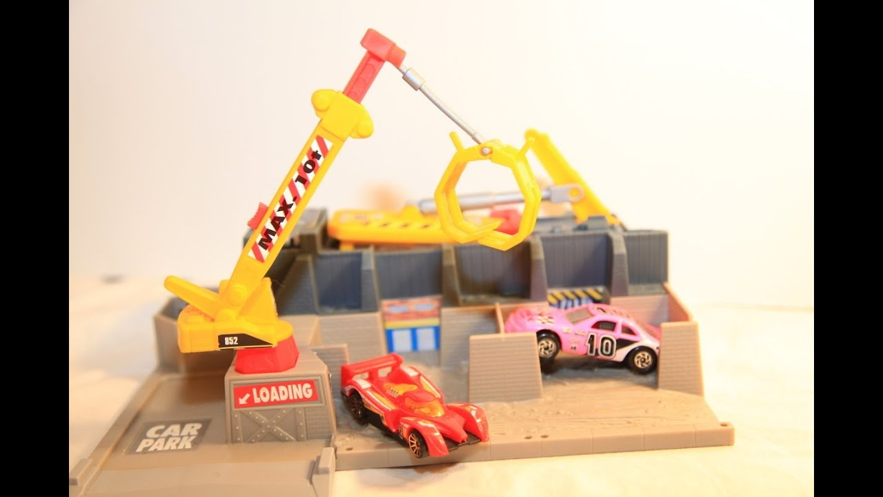 8 Toys Yeards : Hot wheels wreck yard car crusher s diecast toys review