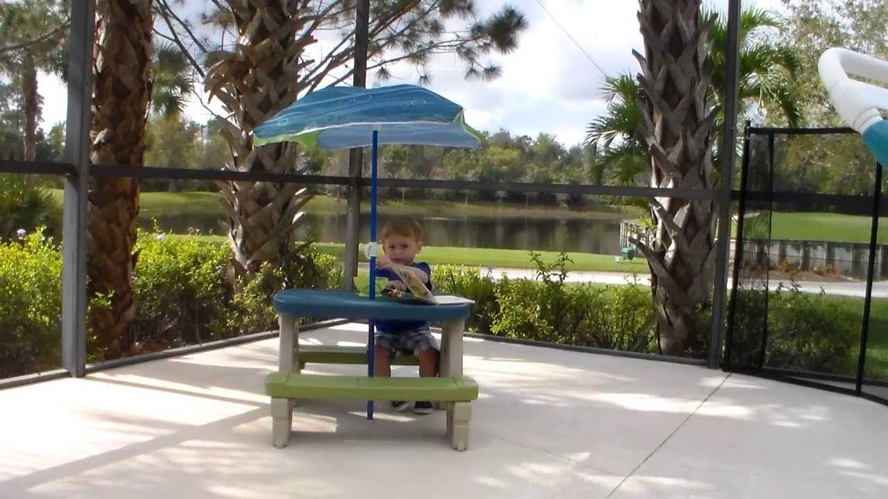 Step2 Sit U0026 Play Picnic Table With Umbrella Review By Viva Veltoro