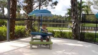 Step2 Sit & Play Picnic Table with Umbrella Review by Viva Veltoro