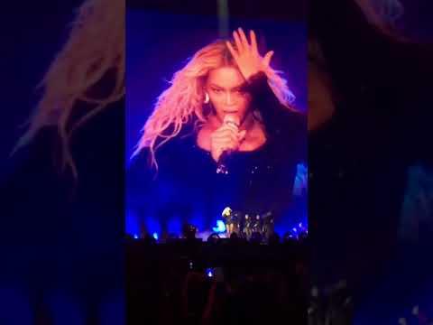 Beyoncé - Sorry/Kitty Kat (Formation World Tour NOLA 9/24/2016)