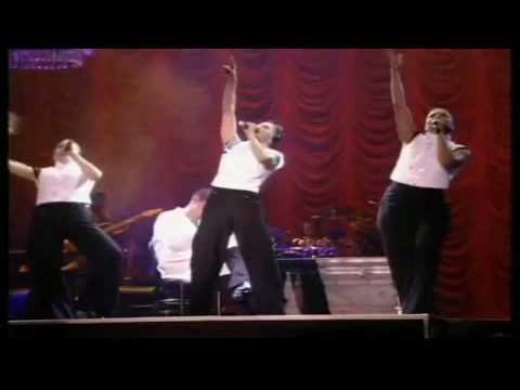 Madonna - 12. I'm Going Bananas (Girlie Show 1993)