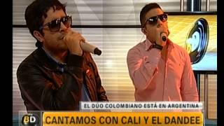 """Cali y El Dandee cantan """"Yo Te Esperaré"""" - Telefe Noticias"""