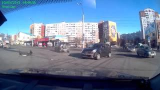 ДТП Мурманск Беринга Niva Chevrolet и Nissan Note 10 марта в 1440(Новая подборка дтп и авария произошедших в 2015 году Ваше видео вы можете прислать ВКонтакте http://vk.com/iramakieva..., 2015-05-18T10:38:59.000Z)