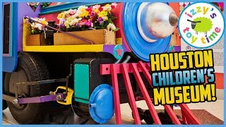 Izzy's Toy Time Learns at the HOUSTON CHILDREN'S MUSEUM! Fun Family Play Place Trip!