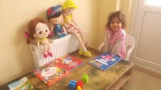 Eylül, Niloya, Pepee Ve Anna Okulda Renkleri Öğreniyor