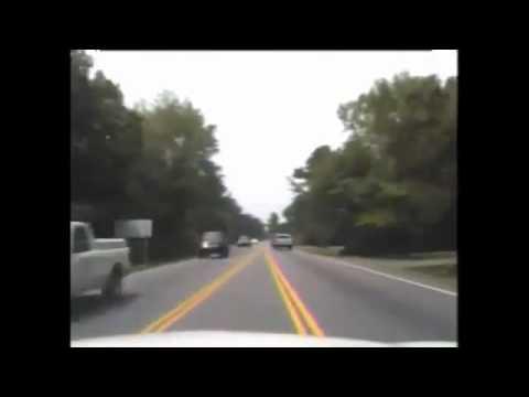 Преступник ворует полицейское авто/Guy Steals Police Car