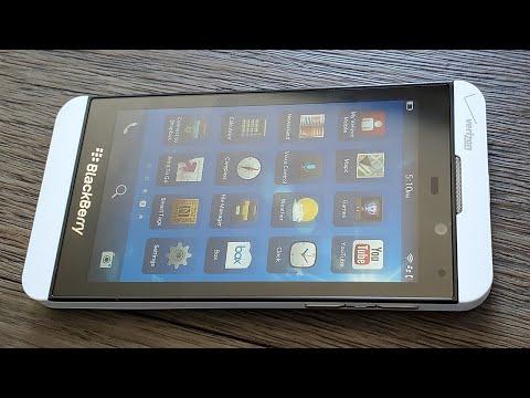 Blackberry Z10 Unboxing 2020 - Bringing Old School Back