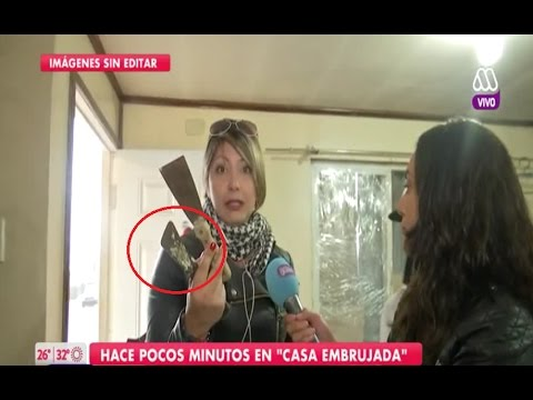 Agreden en vivo a equipo de TV en casa embrujada de Puerto Montt - Chile