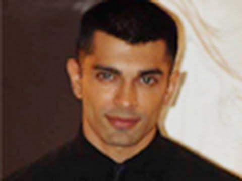 Karan Singh Grover in D3