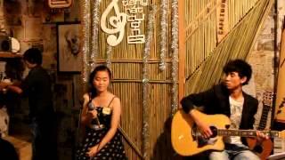 CFT082 La Thị Thanh Thủy.Thể hiện bài hát - She Is The One.avi