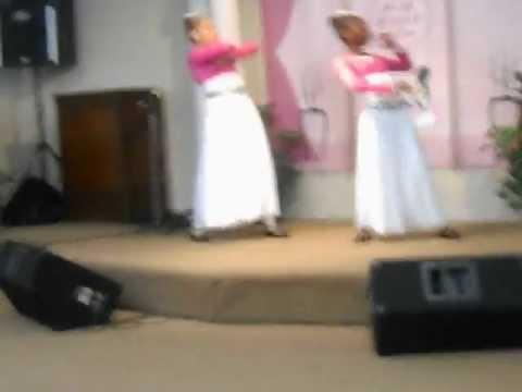 khadejia and dayah at the altar praise dance