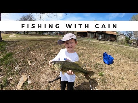 How To Catch Bass On Ponds With My Son Cain (Teaching Him How To Fish!) Hilarious!