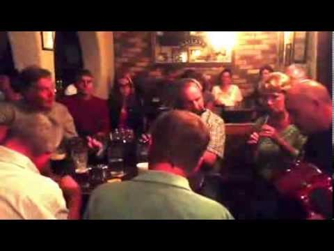 Live music at Gus O'Connor's Pub, in Doolin, Ireland
