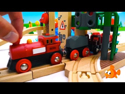 COWS LUNCH! – BRIO Toys Farm – Toy Train set construction – Toy unboxing with Ladybugs