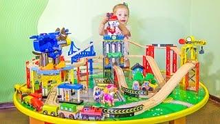Щенячий Патруль СТРОЯТ ГОРОД Распаковка новой СУПЕР игрушки PAW Patrol Toys Кидкрафт KidKraft