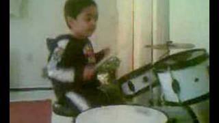 Baixar 3 Year old on drums - Raghav