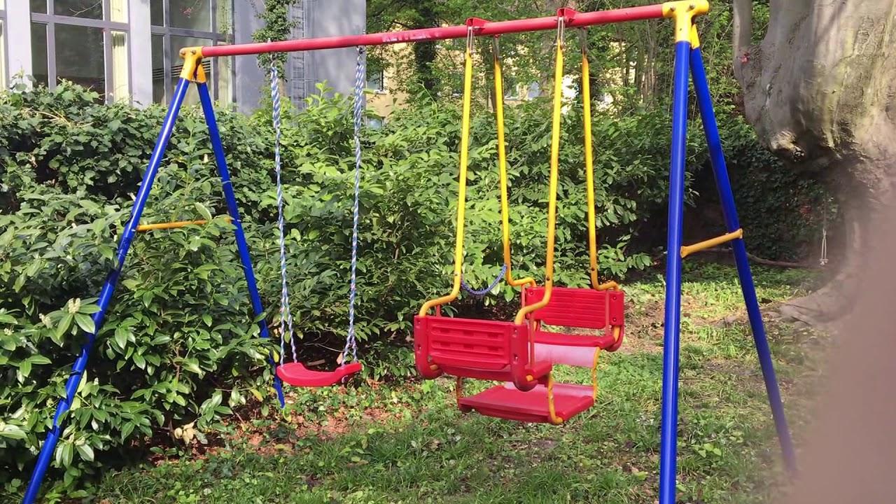 Kinderschaukel Im Garten Youtube