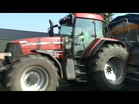 Big Tractor with cool ,nice diesel sound.