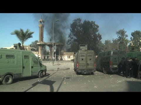 Three killed, hundreds arrested in Egypt clashes