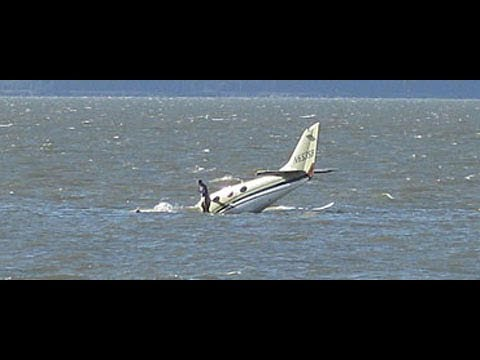 Plane crashes into ocean, Strapping Scottish Lad comes to Rescue!!