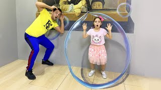 Sofia and Dad have fun day in the Museum of illusions!