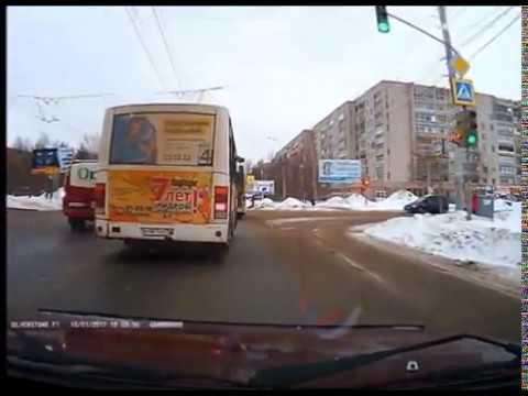 Стоит ли автобус выпускать с остановки?!