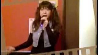 愛里がカラオケで「夢戦士ウイングマン」のオープニングテーマ「異次元ストーリー」を歌ってみました。 随分久し振りにこの曲を歌唱しました...