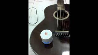 nhac san tren guitar thung
