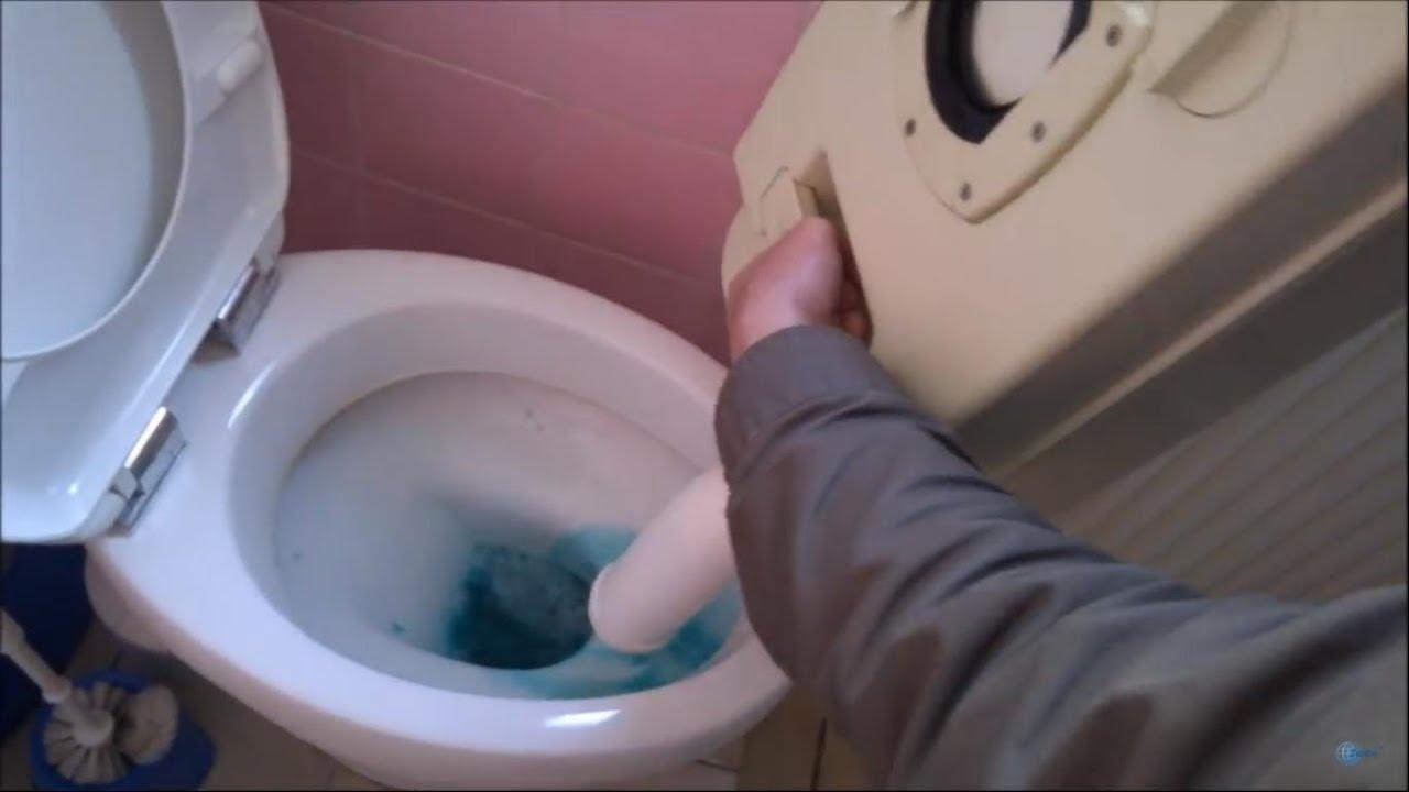 Wohnwagen toilette entleeren youtube
