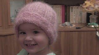 Детская шапочка с отворотом из мохера. Видео  урок.