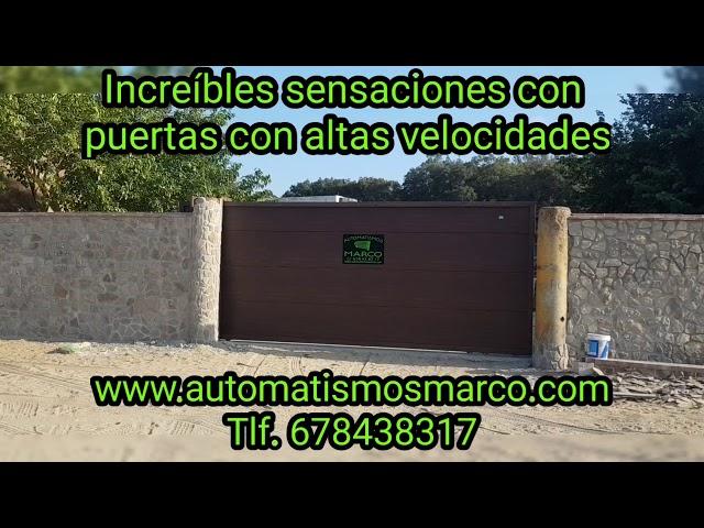 Puerta corredera panel sándwich rápida puerta comunidad rápida, puerta seccional industrial.